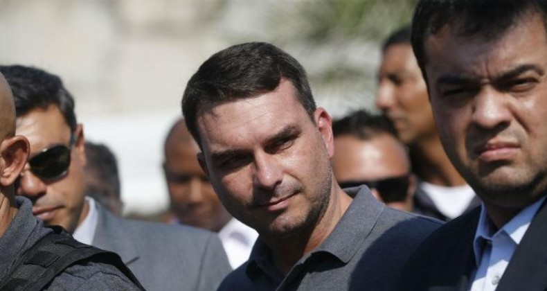 Toffoli suspende todos os processos contra Flávio Bolsonaro